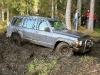 Smagais Nissan Patrol bez vinčas ārā netiek
