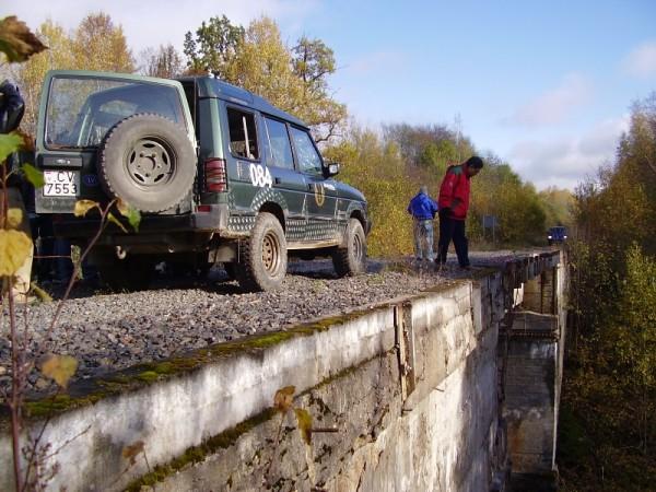 Indieši uz Līčupes tilta