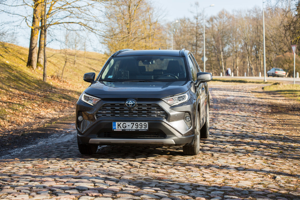 Toyota RAV4 2019 Hybrid testa brauciens